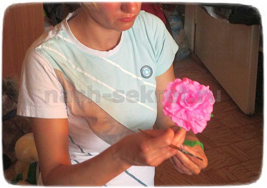 придаем форму цветку