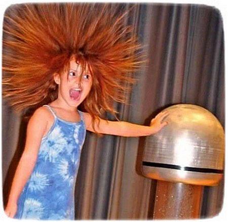 Почему после окрашивания электризуются волосы