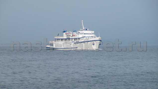 судно на Байкале