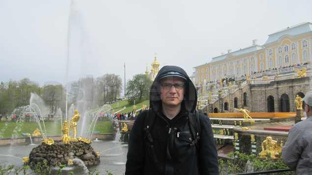 петродворец с фонтанами