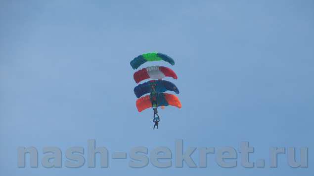 этажерка из парашютов