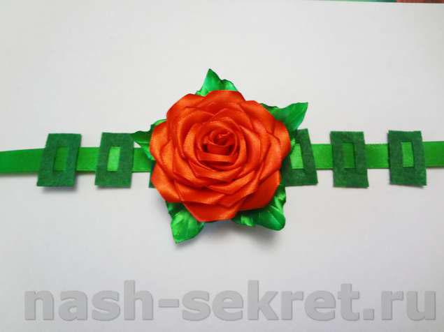 Крепление центральной розы
