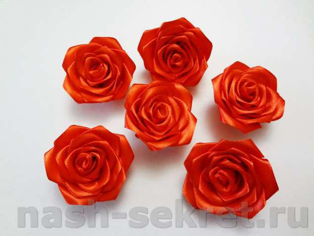 Смоделируйте розы