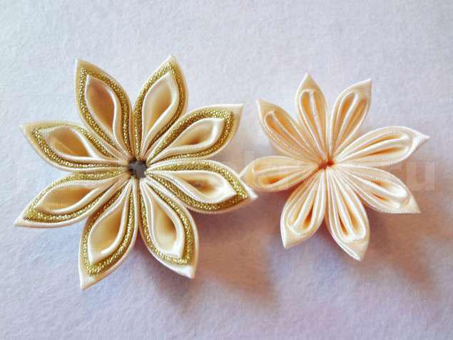 Два ряда цветочков