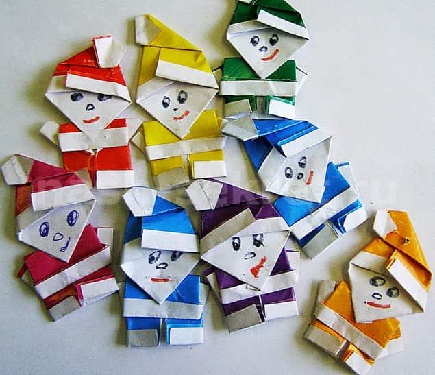 Деды морозы из бумаги