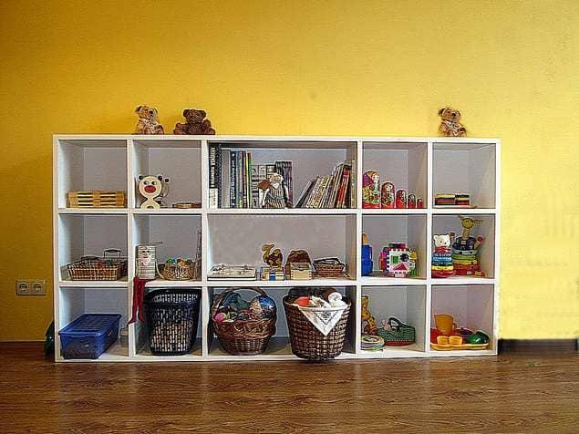 как заставить ребенка убирать игрушки